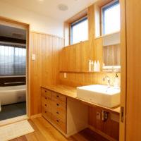 家族控室にある洗面・バス